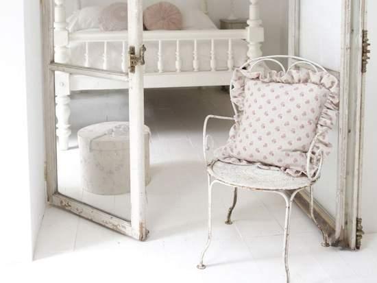 almohadón con tela estilo shabby chic de flores de nuestra tienda online