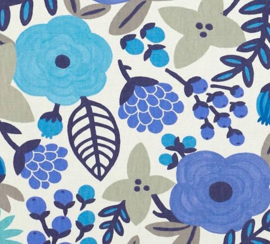 tela con flores en color azul