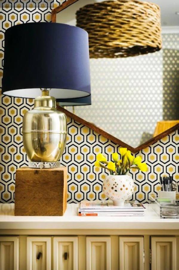 papel pintado hexagonos en recibidor