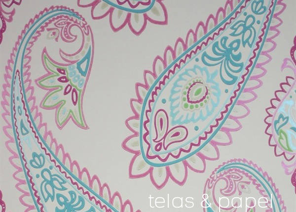 papel pintado paisley Nizam en color verde, rosa, turquesa y piedra online