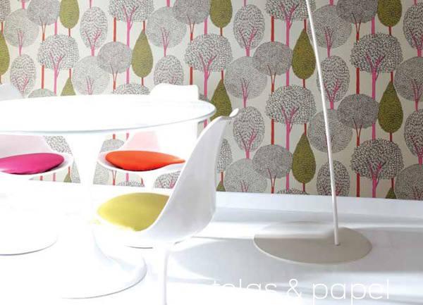 papel pintado con siluetas de arboles