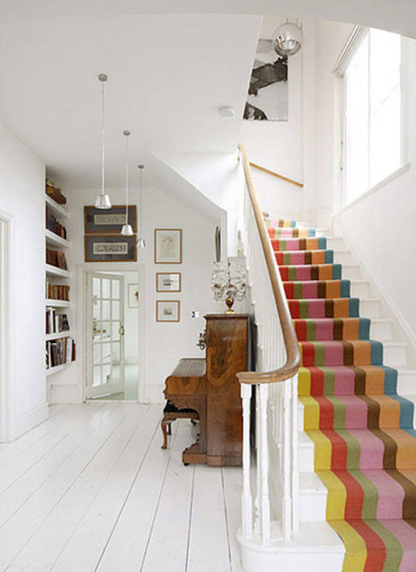 decorar-la-escaler-con-moqueta