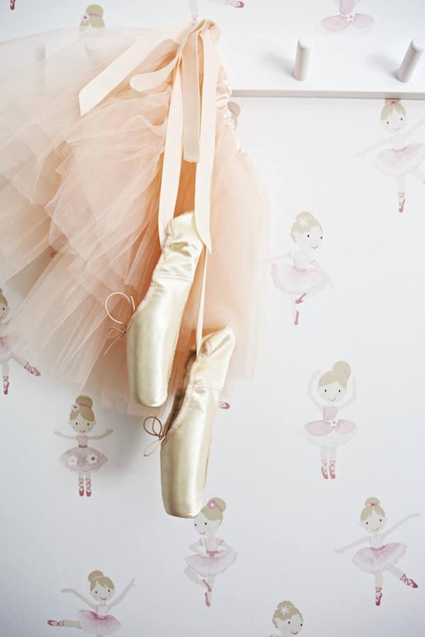 detalle del papel bailarinas