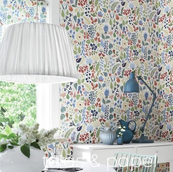 Papel pintado flores stig lindberg claro telas papel - Papier peint fleuri vintage ...
