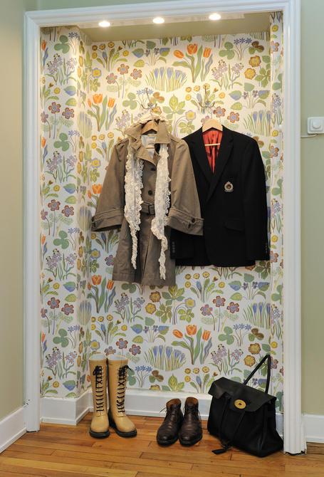 Tienda online telas papel decorar la entrada con papel - Empapelar una pared ...