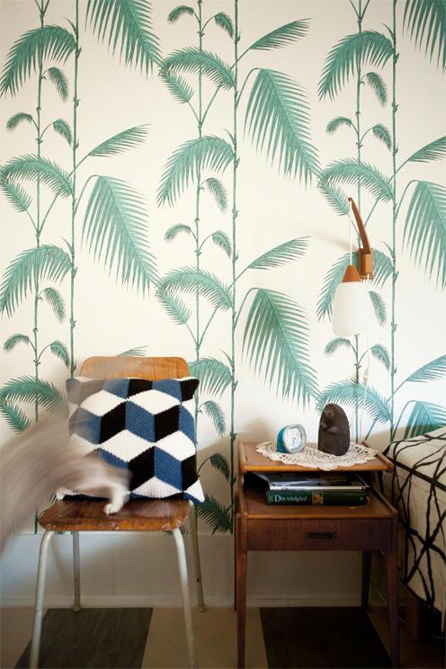 Tienda online telas papel palmeras de cole and son for Papel pintado para salon blanco