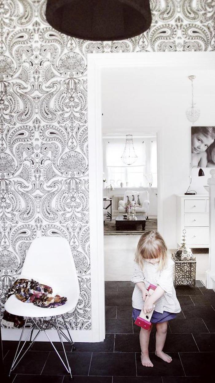 paredes con papel pintado malabar