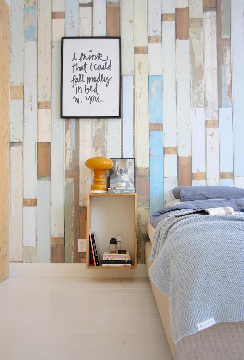 Tienda online telas papel un dormitorio empapelado con for Dormitorios decorados con papel pintado
