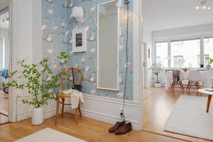 Tienda online telas papel un recibidor empapelado con for Papel pintado entrada