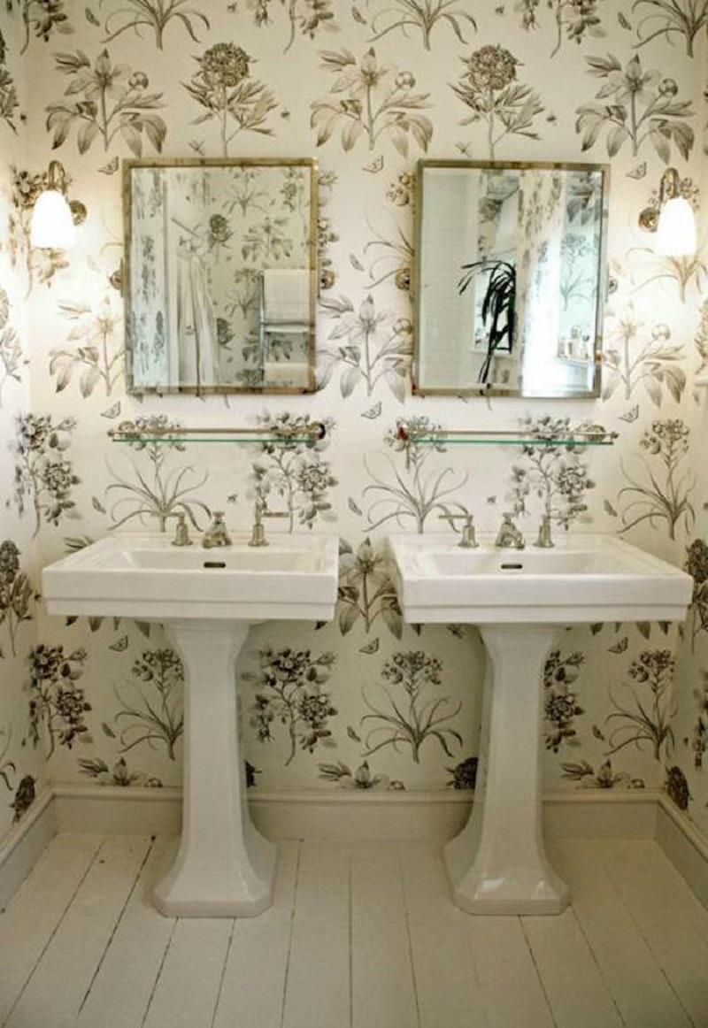 Naturalidad y elegancia para el baño con el papel de flores