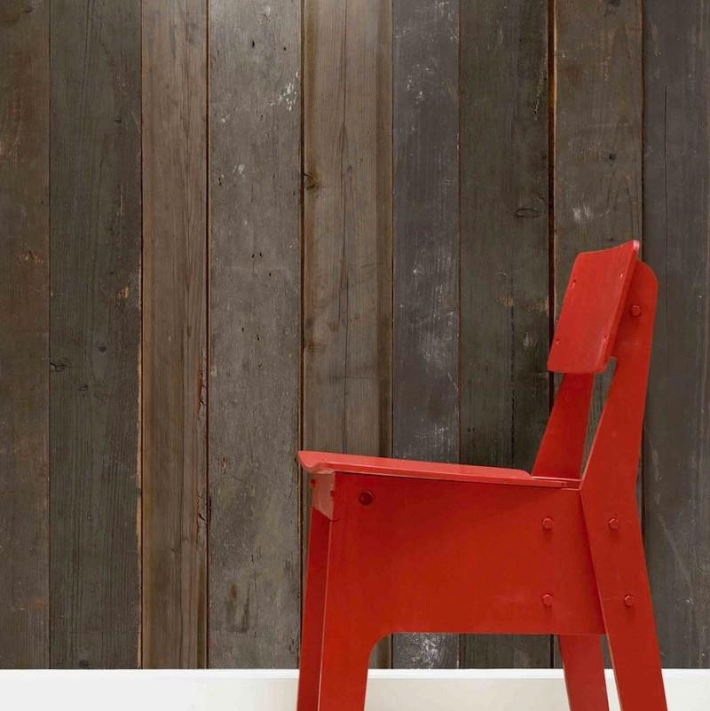 Calidez y modernidad con el papel pintado de listones de madera