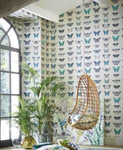 papel-pintado-de-mariposas-pared-azul