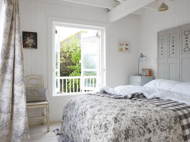 tienda online telas papel decora tu dormitorio con. Black Bedroom Furniture Sets. Home Design Ideas