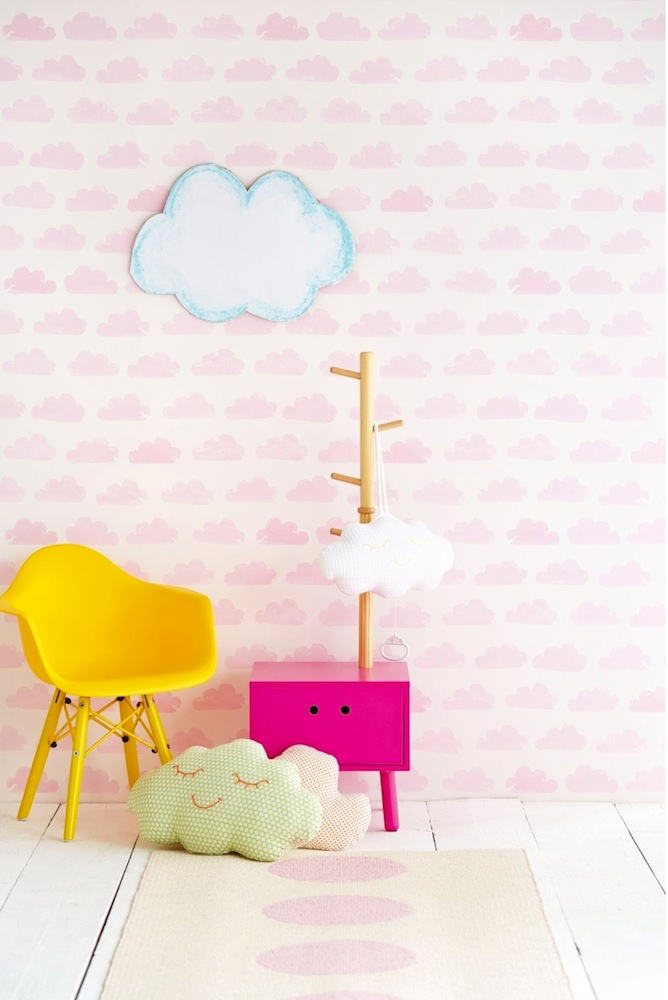 Tienda online telas papel papel infantil con nubes rosas for Papel para pared dormitorio