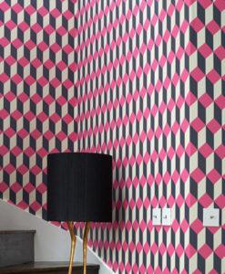 escalera con papel delano rosa