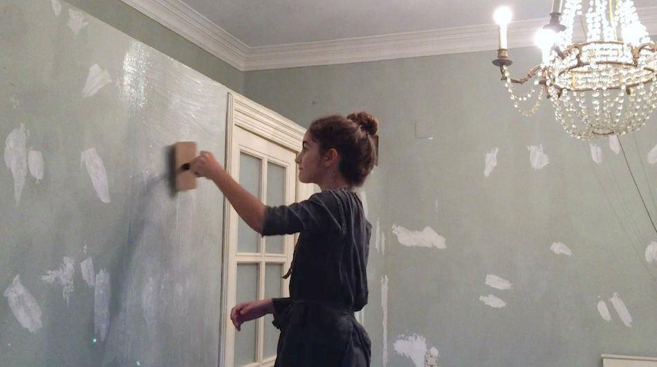Como colocar papel pintado latest como colocar papel - Como poner papel pintado en la pared ...