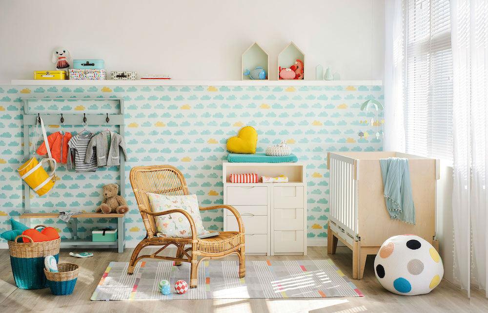 Tienda online telas papel un dormitorio decorado con for Papel pared habitacion bebe